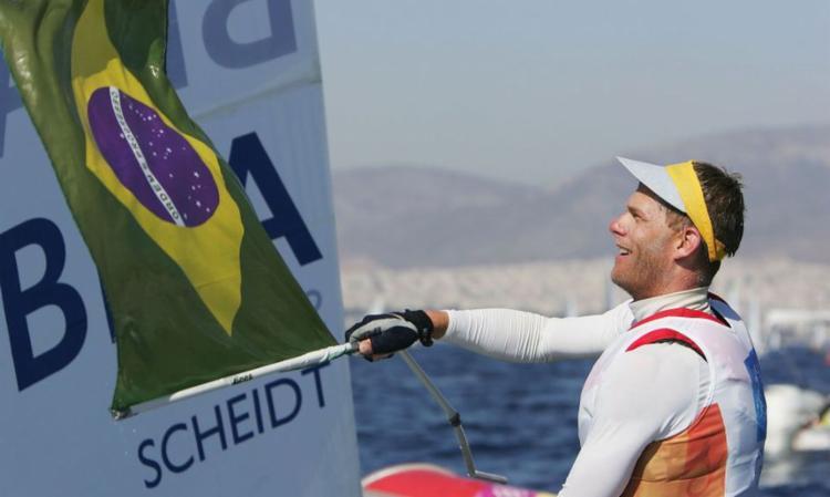 Bicampeão olímpico conseguiu um 6° e um 16° lugares nas duas regatas | Foto: Divulgação | COB - Foto: Divulgação | COB