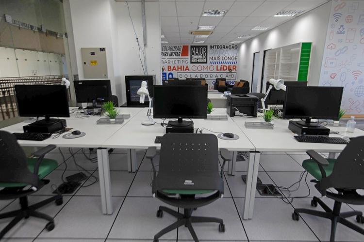 Iniciativa permite que empresas usem os espaços com energia elétrica e internet subsidiados pelo governo   Foto: Paula Fróes   GOVBA - Foto: Paula Fróes   GOVBA