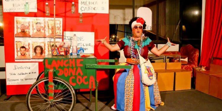 """Teatro recebe o espetáculo solo """"Dona Coca"""", que narra a história de uma mulher, mãe, moradora do subúrbio ferroviário. Crédito: Foto I Andréa Magnoni - Foto: Foto I Andréa Magnoni"""