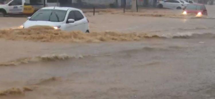 Em menos de 24h, já choveu 70 milímetros na cidade I Foto: Reprodução - Foto: Reprodução