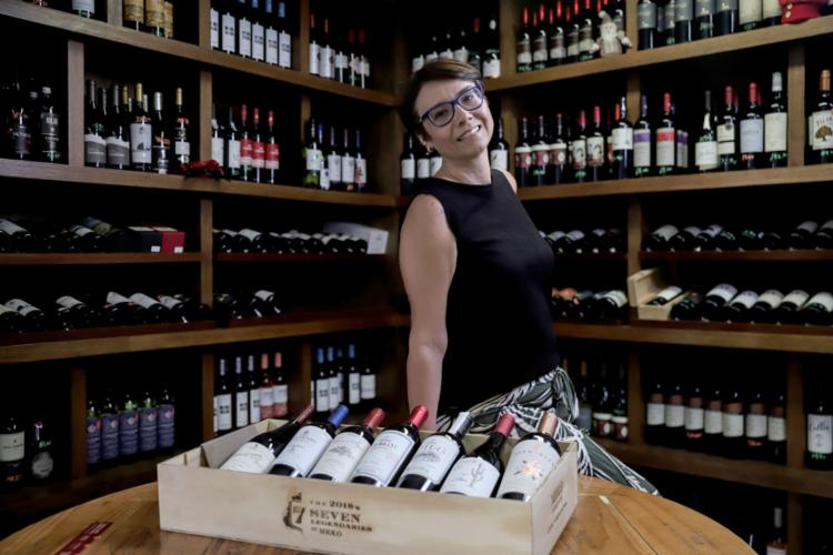Ana Paula diz que a preferência tem sido por marcas mais baratas   Foto: Uendel Galter   Ag. A TARDE - Foto: Uendel Galter   Ag. A TARDE