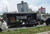 Acidente entre caminhão e carro de passeio deixa trânsito lento no Imbuí | Foto: Cidadão Repórter | Via Whatsapp