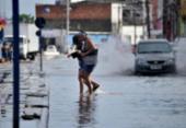 Fortes chuvas causam pontos de alagamentos em Salvador | Foto: Felipe Iruatã | Ag. A TARDE