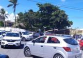 Caos em Buraquinho: trânsito trava sem fiscalização | Foto leitor A TARDE