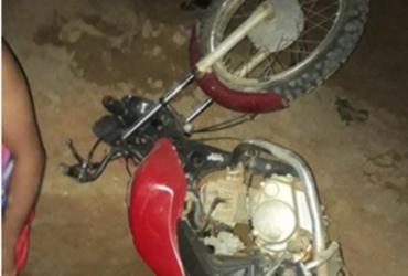 Motociclista de 19 anos morre após cair em buraco no interior da Bahia
