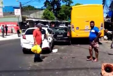 Colisão entre carros e micro-ônibus deixa trânsito lento em São Cristóvão | Divulgação | Transalvador