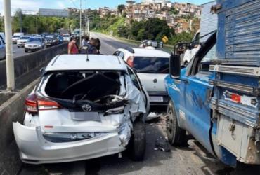 Acidente envolvendo sete veículos e caminhão provoca lentidão na BR-324 | Reprodução | Redes Sociais