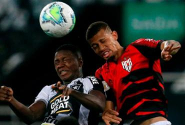 Botafogo abre o placar em casa, mas perde de virada para o Atlético-GO | Vitor Silva | Botafogo F.R