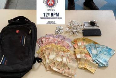 Traficante é preso em flagrante com R$ 6,4 mil e drogas em Camaçari