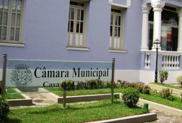 Câmara de Feira de Santana adia aumento de salário para vereadores, prefeito e vice