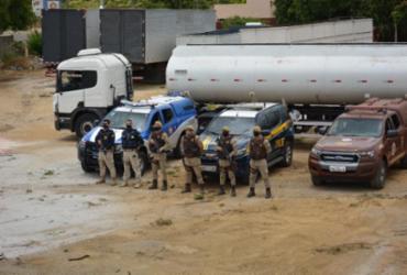 Caminhão tanque roubado em Candeias é recuperado em Vitória da Conquista