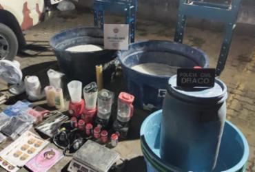 Feira de Santana: polícia encontra meia tonelada de cocaína em laboratório de refino