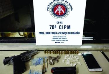 Dupla é presa com arma e drogas no sul da Bahia