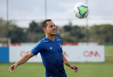 Rodriguinho volta a treinar com bola após se recuperar da Covid-19   Felipe Oliveira   EC Bahia