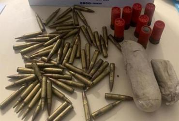 Explosivo e munições para fuzil são apreendidos em Simões Filho