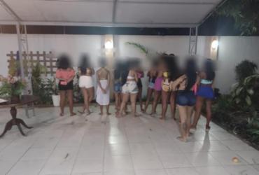 Festa com aglomeração termina com três presos em Lauro de Freitas