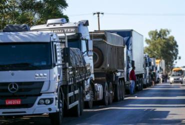 Bolsonaro apela para que caminhoneiros não façam greve |