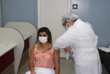 Profissionais do Hospital Costa do Cacau recebem primeira dose de vacina contra Covid-19