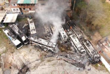Incêndio atinge garagem de empresa de ônibus intermunicipais | Ascom | CBM-BA