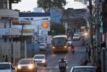 Suspeitos invadem supermercado em Sussuarana; dois são presos | Raphael Müller | Ag. A TARDE