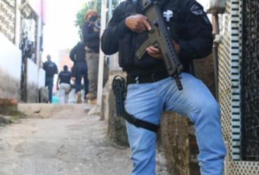 Polícia prende na BA miliciano envolvido na morte de contraventor carioca