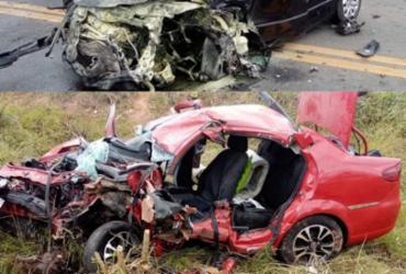 Duas pessoas morrem após colisão frontal entre carros em Camaçari