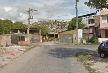 Mulher morre após ser atingida por bala perdida no Lobato; dois suspeitos morreram em confronto com a PM | Reprodução | Google Street View