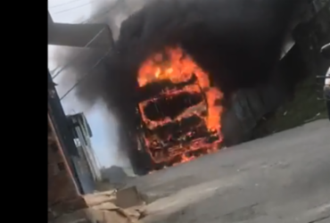 Ônibus é incendiado no bairro de São Cristovão | Cidadão Repórter