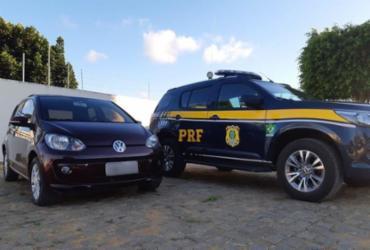 Mulher é presa em Poções ao ser flagrada conduzindo veículo roubado em SP