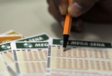Mega-Sena pode pagar R$17 milhões a quem acertar as 6 dezenas | Marcello Casal Jr | Agência Brasil