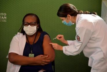 Enfermeira é a primeira pessoa vacinada no Brasil | Divulgação