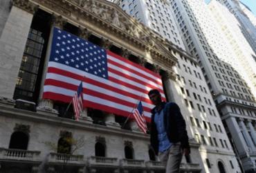 Wall Street fecha em baixa antes de apresentação de plano Biden | Angela Weiss | AFP