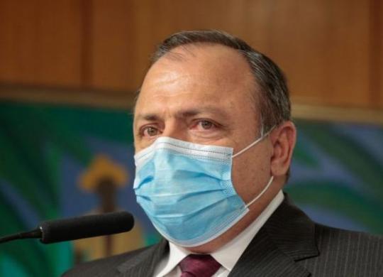 Pazuello autoriza estados a começarem vacinação nesta segunda | Carolina Antunes | PR