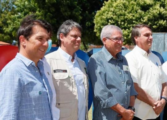 Bolsonaro promete impedir que estrangeiros comprem terra no país | Isac Nóbrega | PR