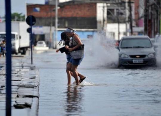 Salvador registra acumulado de chuvas superior aos índices de 2020 | Felipe Iruatã | Ag. A TARDE