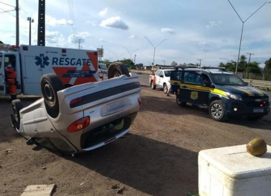 Motorista de aplicativo pula de carro em movimento após assalto em Feira de Santana | Divulgação | PRF