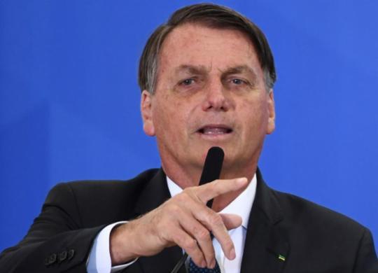 Governo Bolsonaro gasta R$ 1,8 bilhão em alimentos; R$ 15 milhões apenas com leite condensado | Evaristo Sa | AFP