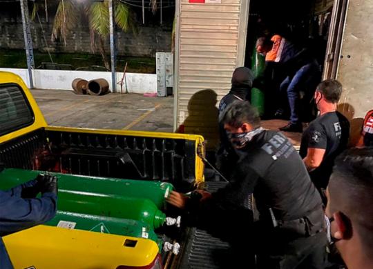 Polícia localiza 33 cilindros de oxigênio escondidos em um caminhão em Manaus | Divulgação | SSP-AM