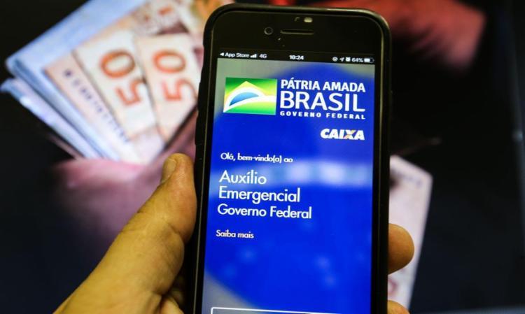 . Após destinar R$ 330 bilhões a 68 milhões de pessoas desde abril de 2020, o programa perdeu vigência em janeiro e não foi renovado pelo Poder Executivo - Foto: Marcello Casal Jr   Agência Brasil