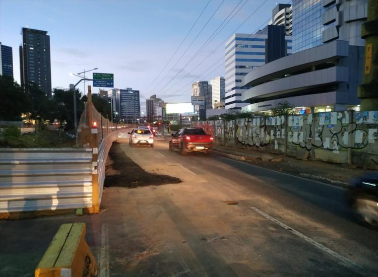 Trânsito estava bloqueado por conta por conta das obras de requalificação que acontecem na via | Foto: Divulgação | Transalvador - Foto: Divulgação | Transalvador
