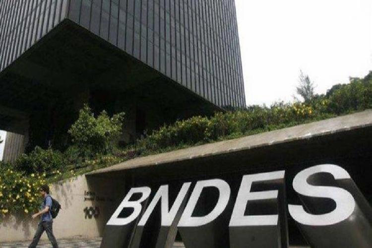 Um dos contratos firmados com a Ford, em 2014, custou ao BNDES R$ 178 milhões - Foto: Divulgação