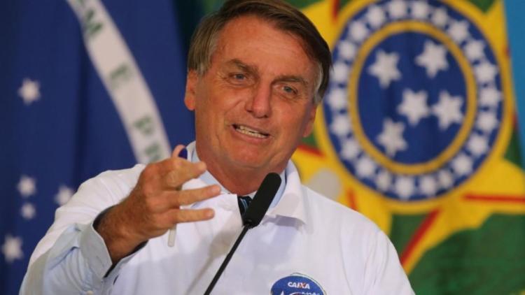 Presidente também se vangloriou do número de vacinados e disse que o Brasil é o sexto que