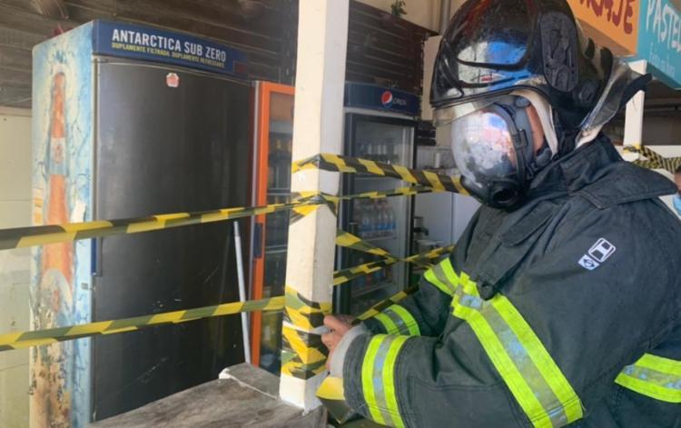 Incêndio ocorreu em um freezer do estabelecimento | Foto: Divulgação | CBMBA