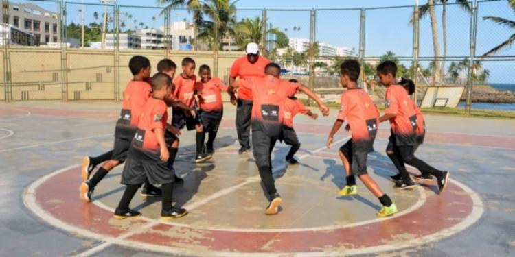 As arrecadações serão destinadas para as escolinhas esportivas promovidas pelas comunidades e apoiadas pela pasta   Foto: Divulgação - Foto: Divulgação
