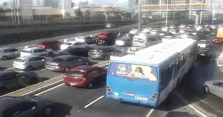 Motoristas enfrentam grande engarrafamento nesta manhã   Foto: Divulgação   SSP - Foto: Divulgação   SSP