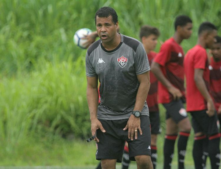 Treinador não gostou do que viu diante do Operário | Letícia Martins | EC Vitória - Foto: Letícia Martins | EC Vitória