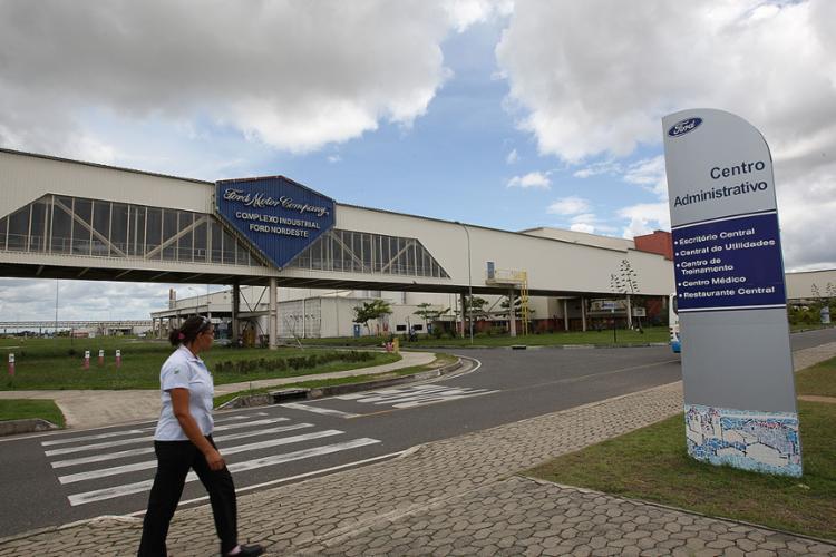 Ford deixou no ar um sentimento de descaso e desrespeito da empresa para com a Bahia | Foto: Ag. A TARDE | Arquivo - Foto: Ag. A TARDE | Arquivo