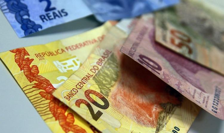 o total de famílias com dívidas ou contas em atraso caiu de 25,7%, em novembro, para 25,2%, em dezembro | Foto: Marcello Casal Jr | Agência Brasil - Foto: Marcello Casal Jr | Agência Brasil