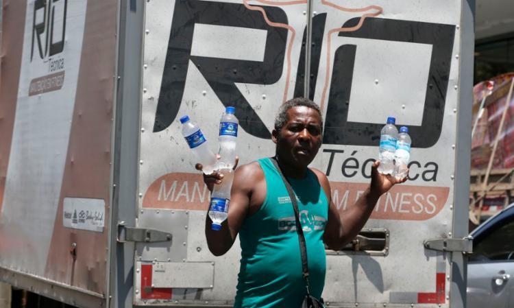 Manter boa hidratação é a primeira recomendação médica I Foto: Agência Brasil - Foto: Agência Brasil