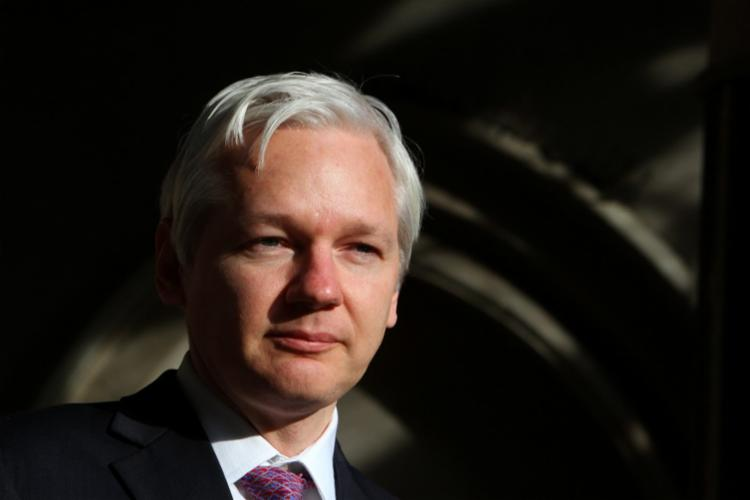 Julian Assange quase 700 mil documentos militares e diplomáticos secretos pelo WikiLeaks - Foto: Geoff Caddick | AFP | 2011